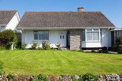 new-english-house-garden-55412096